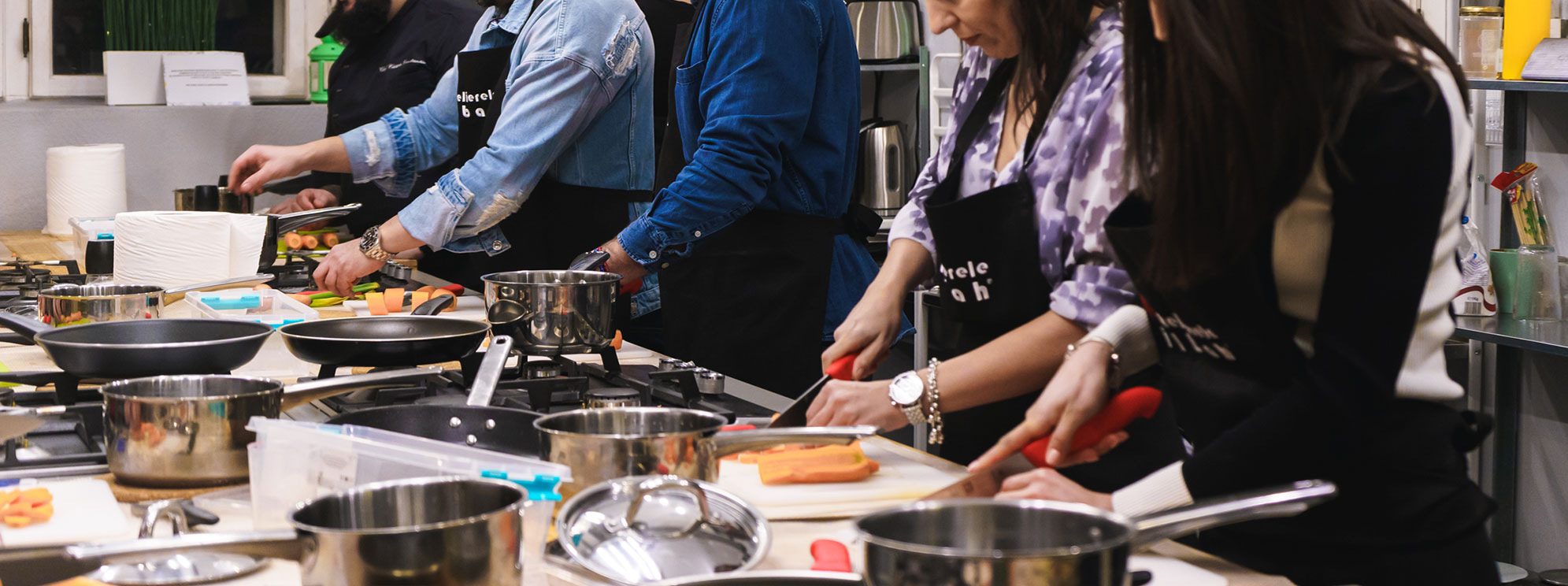 inchiriere-spatiu-evenimente-si-teambuilding-uri-culinare-petreceri-de-gatit-cover